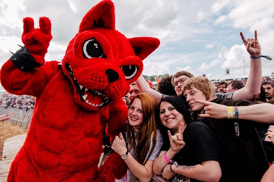 Download 2019 - Download Dog and crowd