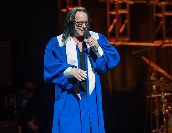 Todd Rundgren performing his Clearly Human virtual tour show